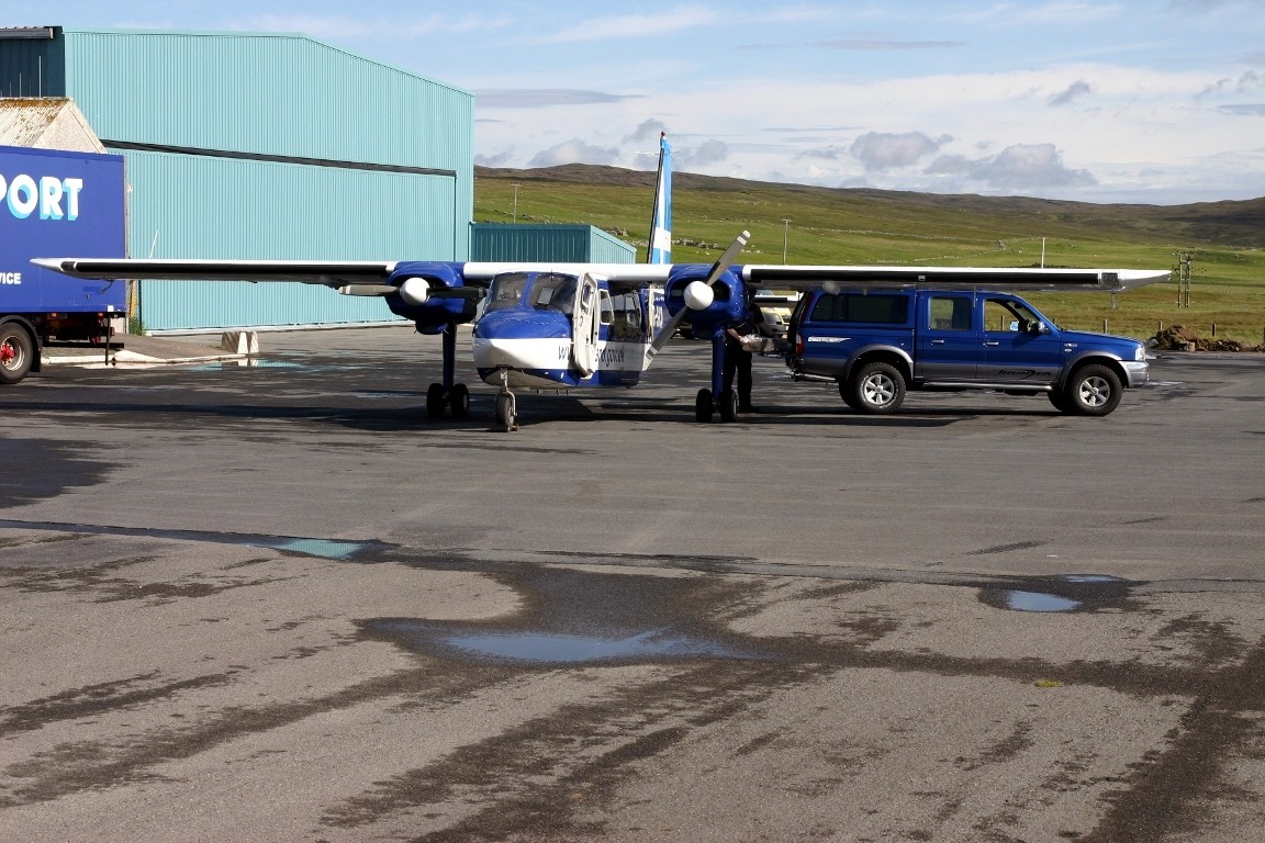 Baggage Handler And Britten-Norman Islander, Tingwall