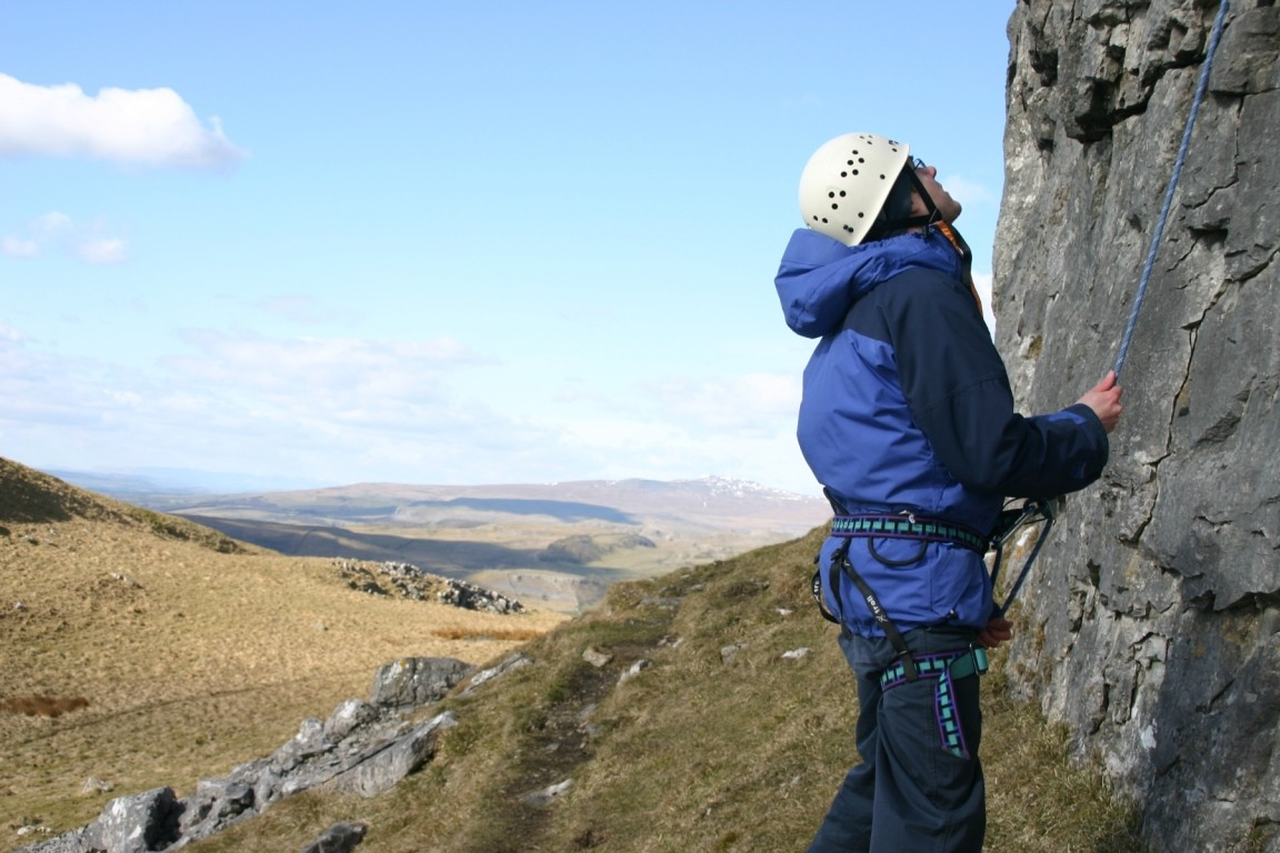 Pete Belaying, Attermire Scar