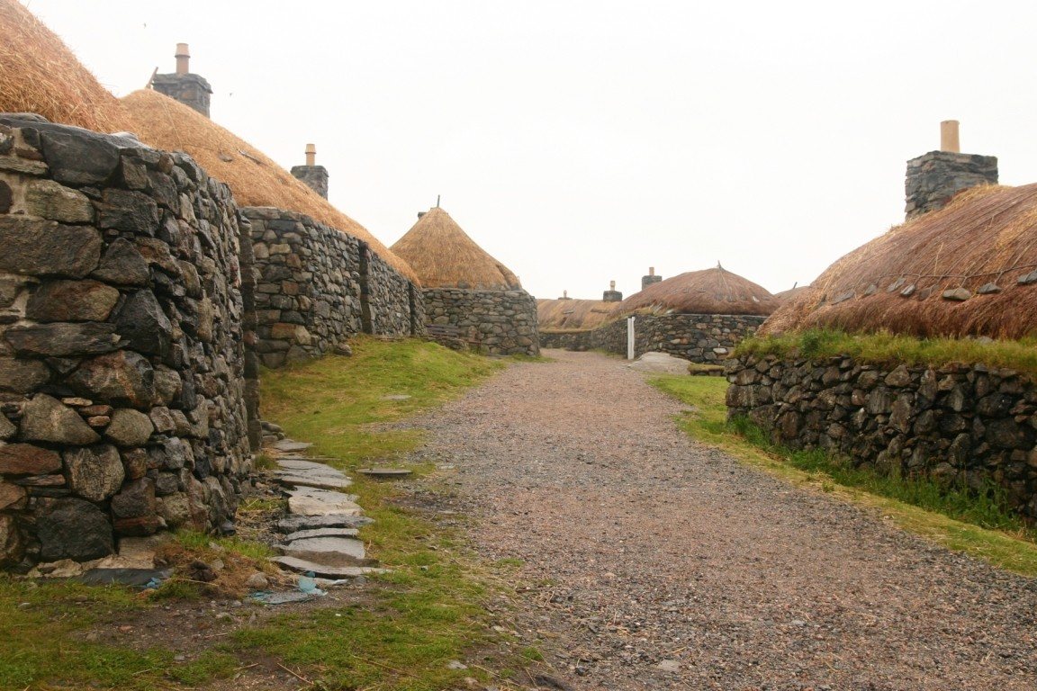 Black House Village, Lewis